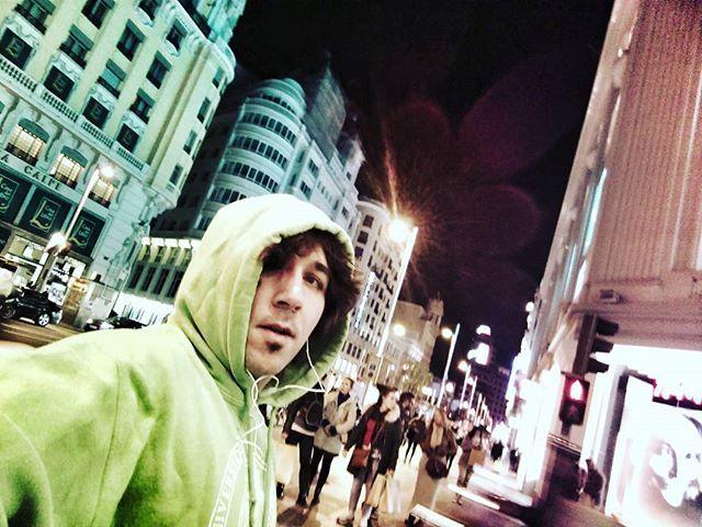 Un poco de Running? Lets Go 😱🙏💪💪#DiseñaTuMaña  #emprendedoresdigitales #running #footing #correrdenochemola #correr #motivaciongym #paleorunning #saludextrema #sport #deporte #emprendedores #lifestylechange #spartan