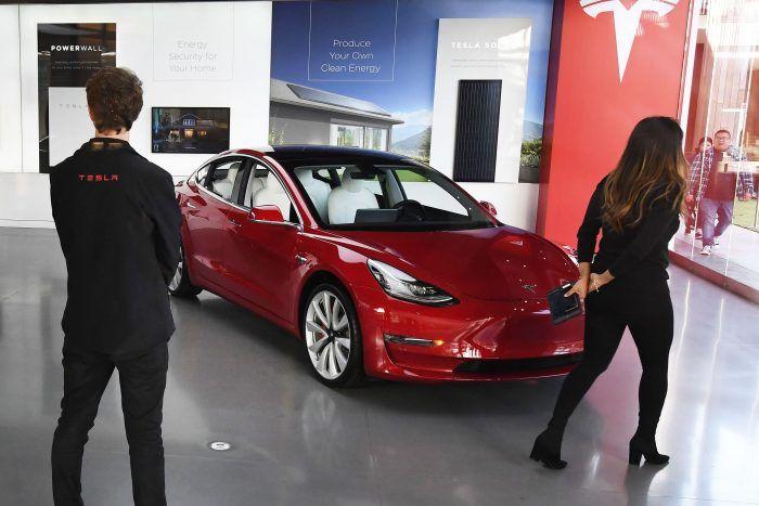 تراجعت أسهم Tesla وأخذت مؤشر ناسداك معها مما يشير على الأرجح إلى القمة على المدى القريب Stock Market Tesla Initial Public Offering