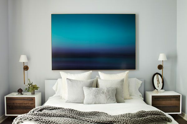 The photograph in the master bedroom is by Eric Cahan.   - HarpersBAZAAR.com