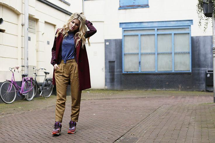 nike air max 1 sneakerboots, nike air max, nike air max 90, thesneaker.nl, fashionblogger, fashion is a party, jas zonder mouwen, arnhem, sara naus, blond haar, laagjes dragen http://www.fashionisaparty.com/2017/03/nike-air-max-1-sneakerboots.html/