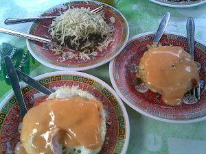 Cemilan Khas Bandung Surabi Enhai