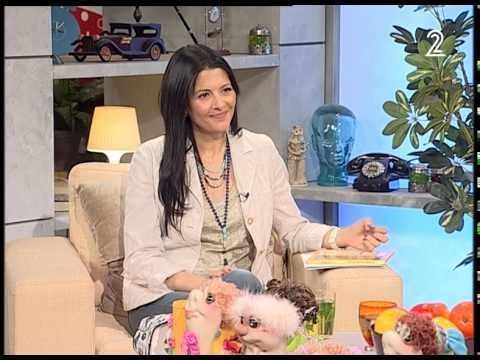 Mazal Tov once again to my first-ever client and close business associate, amazingly-talented dollmaker Anna Phroog! Her online presence just landed her a spot on Israeli national TV!! http://j.mp/AnnaPhroogArutz2