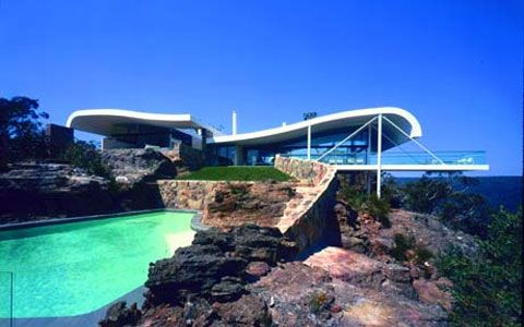 Berman House was designed by Harry Seidler and Associates in 1996 and completed in 1999.