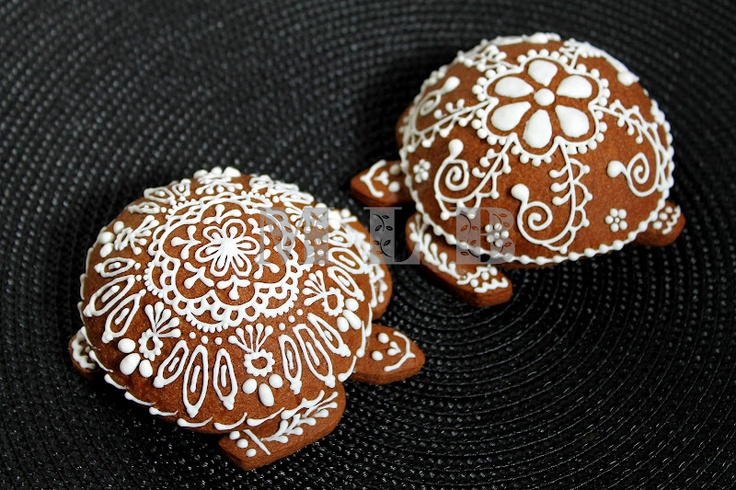 My little bakery :): Turtle cookies... i love all things turtle. will have to make a Turtle board!