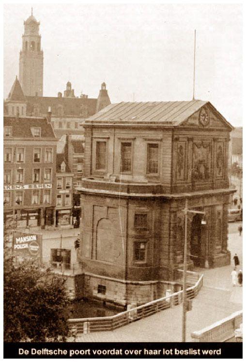 In de jaren '30 van de 20e eeuw stond de poort in de weg: Rotterdam wilde een betere doorstroming van het toenemende verkeer. Men besloot de poort zo'n honderd meter te verplaatsen (afbreken stuitte op te veel weerstand). In 1939 begon men met de verplaatsing van het geheel. De onderbouw was in 1940 gereed, tijdens het bombardement werden zowel dit gedeelte als de opgeslagen beeldhouwwerken beschadigd.
