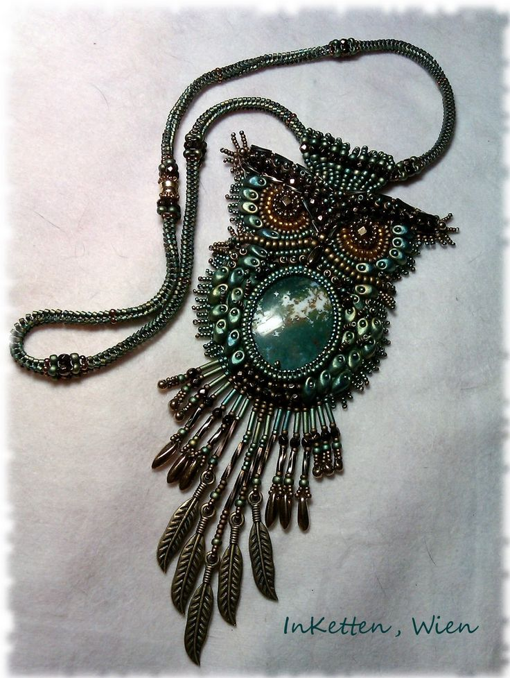 bead embroidery | Bead Embroidery; Waldkauz, tawny owl, owl, beaded owl, Magatamas ...