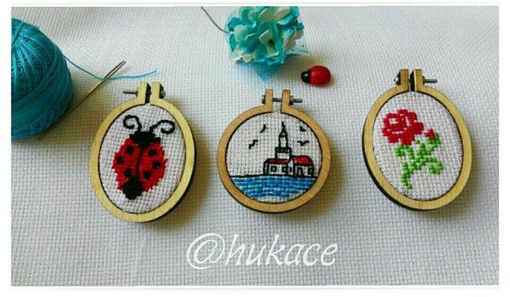 Etamin Kolyeler #etamin #ladybug #ugurbocegi #kızkulesi #gül #crossstitch #crossstitching #necklace #hukace