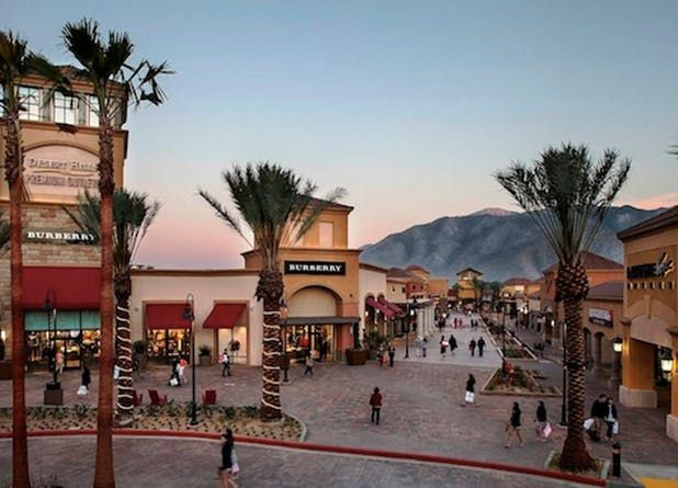 Best Outlet Malls In America Outlet Stores Purewow Outlet Mall Shopping Mall Design Desert Hills