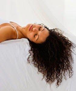 5 techniques pour hydrater et maintenir les cheveux hydratés « Cheveux bouclés