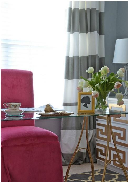Love the chair colour & the curtain.