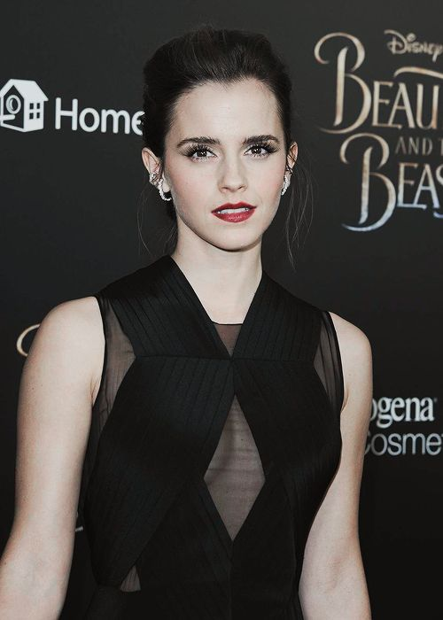 """Emma Watson at the """"Beauty and the Beast"""" New York City Premiere (March 13, 2017) Pinned by @lilyriverside"""