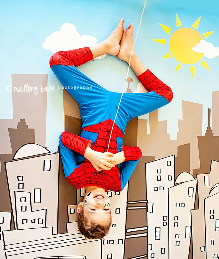 Spiderman pic with city backdrop