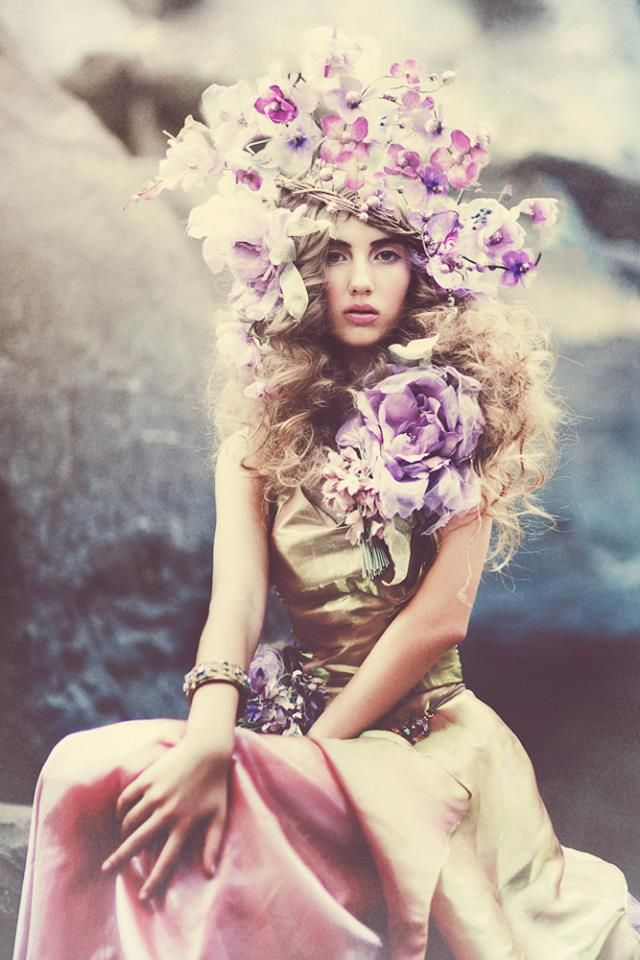 ~Emily Soto/FIORI Couture www.lafioricouture.com this fashion shoot and styling, and the flower headpiece is simply fab - we would totally frame it!
