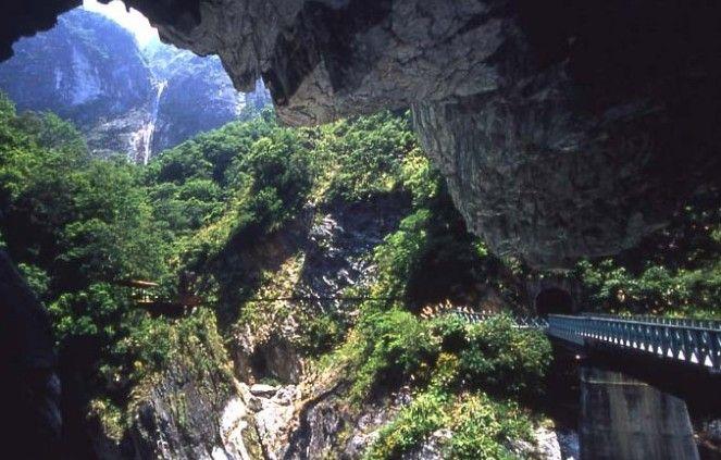 Day 5 -Nine Turn Tunnel #AviaPromo #Travel #Tour #Wisata