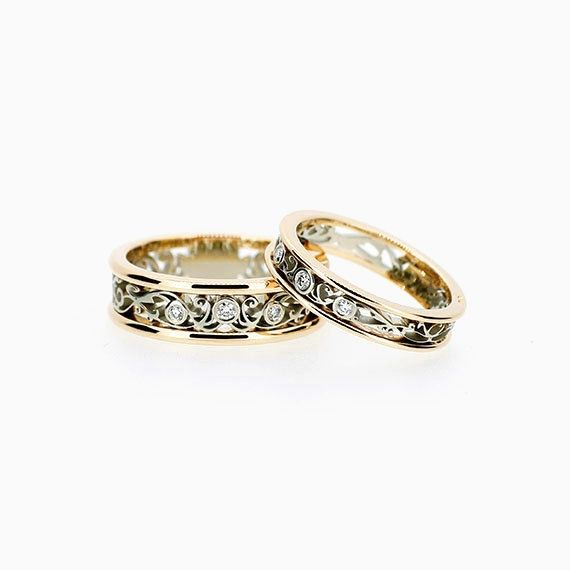 Filigree Ring Set with Diamonds in White and Yellow Gold