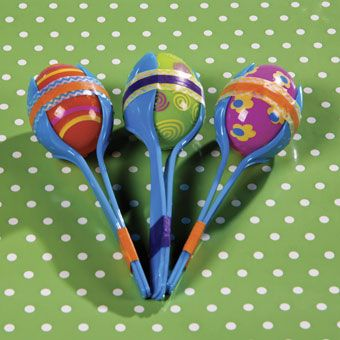 Plastic Egg Maracas | Shake things up with this kids' Easter egg craft!  These plastic egg maracas are a fun way to make a little noise. #Easter #eggs