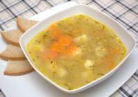 Zupa ogórkowa tradycyjna (dieta wegańska)