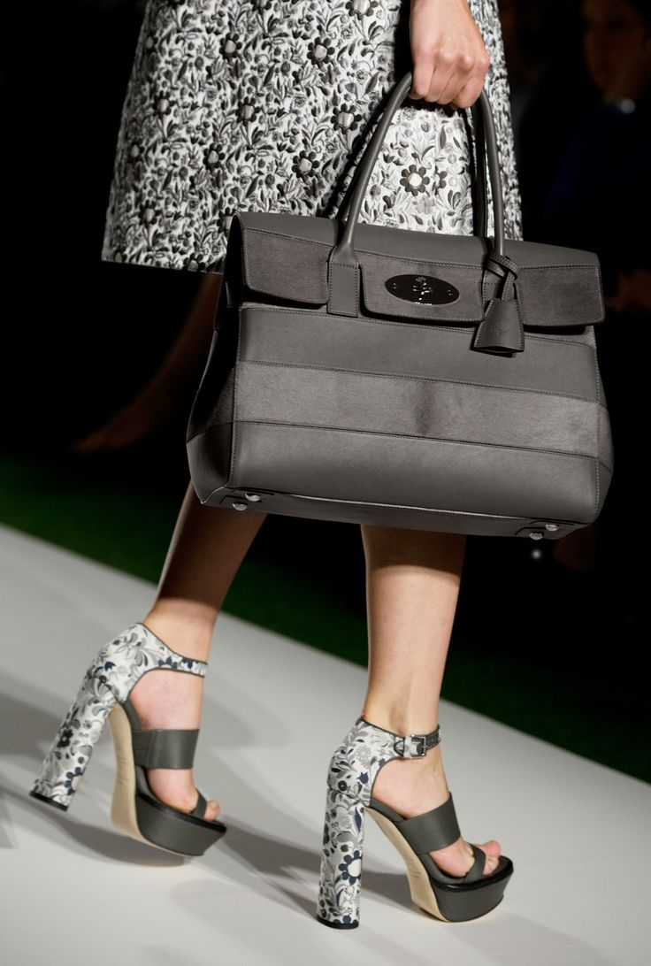 Detail of look 6: Mulberry Bayswater with Stripes #LFW