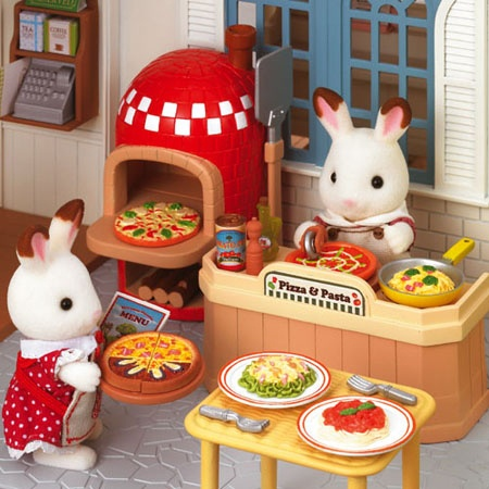 Please feed me as well, I am hungry dear Sylvanian Families