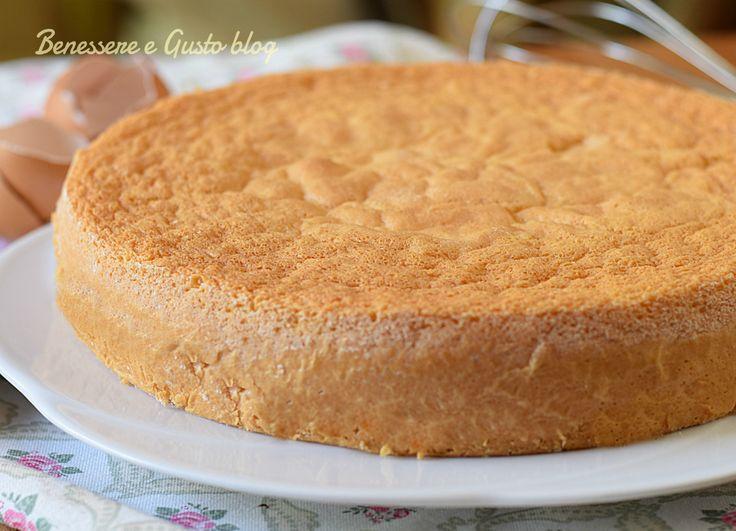 Pan di Spagna, la ricetta base per tante preparazioni dolci, senza lievito, ricetta facile con uova intere. Torte per feste di compleanno