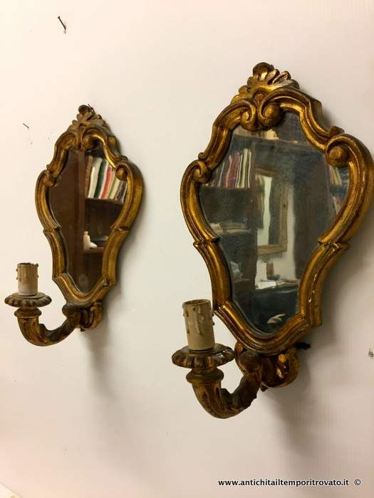 Oggettistica d`epoca - Lampadari e lampade Antica coppia appliques con specchiera - Coppia appliques dorati con specchio Immagine n°1