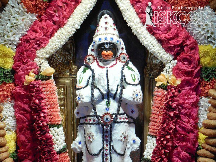 Sri Narasimha Jayanti Spl darshan