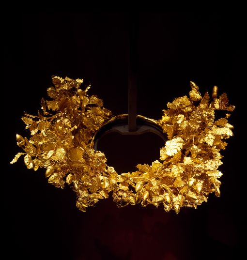 Gold oak wreath of King Filippos (father of Alexander The Great ) .  Thessaloniki Archaeological Museum