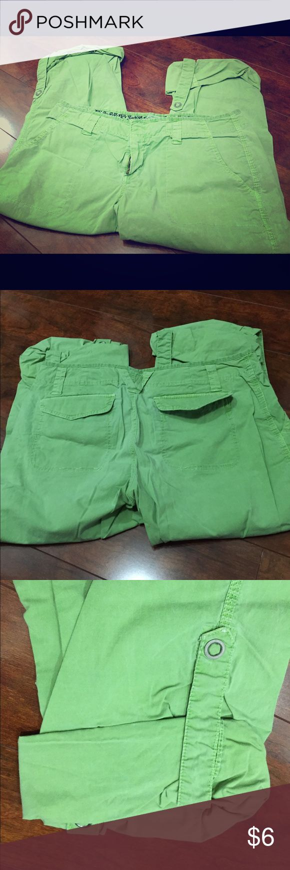Old Navy Cargo Pants sz 10 Lime green old navy cargo pants size 10, stretch material. Low waist. Cute and comfy Old Navy Pants Capris