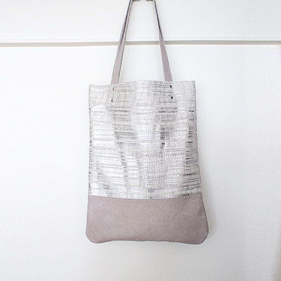 Silver Pink Leather Shopper Metallic Spring por gmaloudesigns