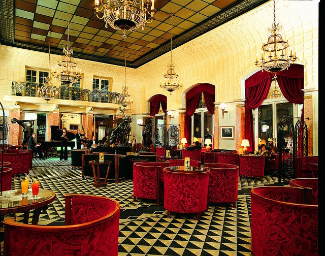 Lutetia Bar located in Hotel Lutetia Paris , rive Gauche. The Lutetia Bar attracts a local crowd of famous faces in a glamourous Art Deco. Renowned amongst the literati, fashionistas and celebrities of the Left Bank, the bar and lounge areas are always lively - full of artists, journalists and writers, all appreciating its sophisticated yet unpretentious ambience.
