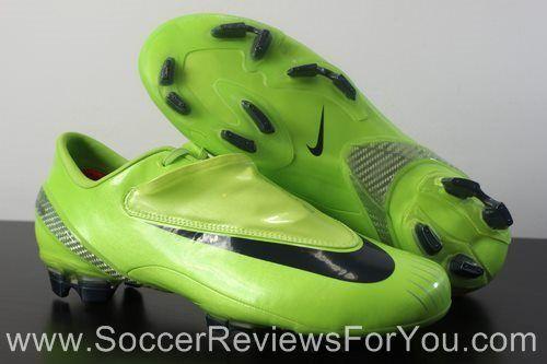Nike Mercurial Vapor IV http://soccerreviewsforyou.com/retro_soccer_shoes