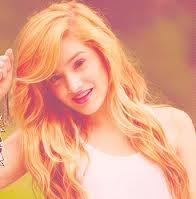 She's so beautiful!:3