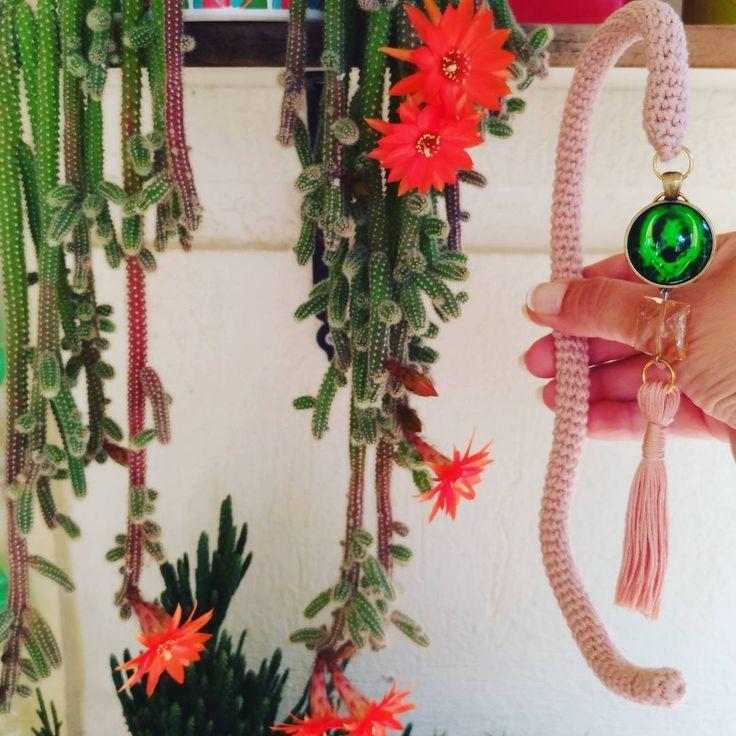 Orada solacaklar ama burada ebediyen canlı kalacaklar �� Keyifli günler dilerim.��♥️ . .  Pattern :@littleowlshut İp:Nako Calico . . �� www.etsy.com/shop/DilekDesign . .  #dilekcrochet #littleowlshut #amigurumi #crochet  #weamiguru #organikoyuncak #elyapımı #nakoiplikleri #virka #elemeği #nako #handmade #häkeln #dekorasyon #elişi #fashion #love #baby #bebek #alien #örgüoyuncak #nakocalico #alienpicolumb #uzaylı #tığişi #amigurumiuzaylı #10marifet #hediye #sevgiyleörüyoruz #aşk…