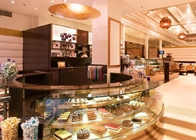 As a major Chocoholic the Lindt Chocolat Cafe in Melbourne is at the top of my list of places to check out on my Stay Fanatical weekend thanks to Holiday Inn. #chocolate