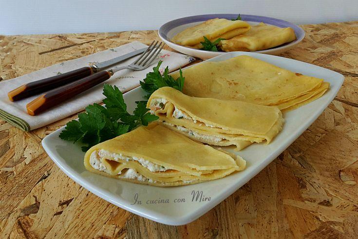 Le Crepes ricotta e salmone sono un primo piatto che si può usare in un giorno di festa, sono facile e veloci e le si può preparare in anticipo.