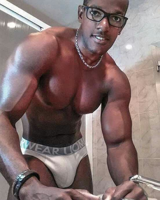 Hunks With Big Dick