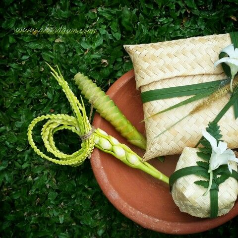 Ethnic leaf decoration