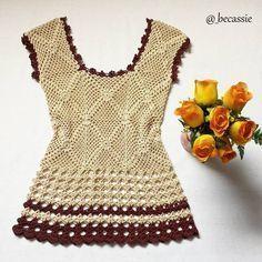 #mulpix Blusa de crochê, toda trabalhadinha Feita à mão! www.becassie.com.br Até 3x sem juros. Enviamos para todo o Brasil. #blusa #croche #blusadecroche #crochet #handmade #feitoamao #artesanato #modafeminina #moda #fashion #style #stylish #look #lookoftheday #lookdodia #photooftheday #ootd #pretty #beautiful #beauty #roupasfemininas #becassie #_becassie