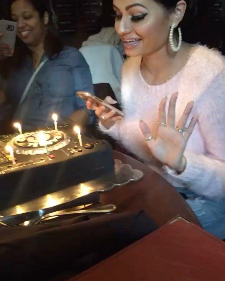 This @pioneerdjglobal DJ cake though ! Thank you for such an amazing surprise birthday @omarmadridphoto  . . . . #dj #birthdaygirl #birthday #birthdaycake #cake #cakeboss #music #djane #djanemag @djanemag #techno #techhouse #deephouse #underground #djlife #fashion #beauty #style #blogger #birthdayparty #smile #amazing