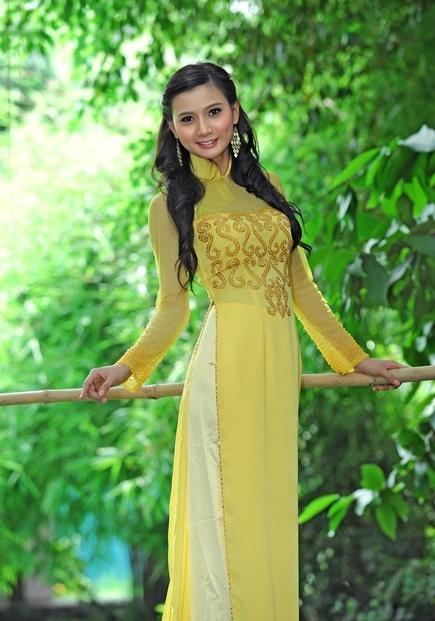 Pin By Thu Hue Nguyen On Vietnamese Ao Dai Long Dress