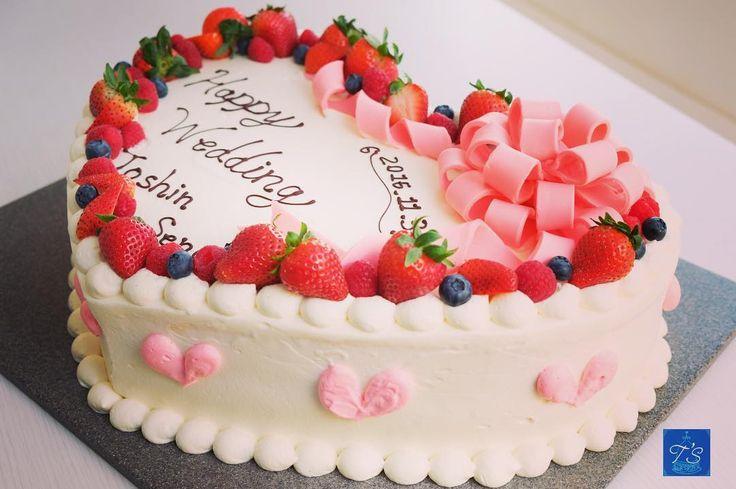 とっても可愛い、ハート型のウェディングケーキを集めました* | marry[マリー]