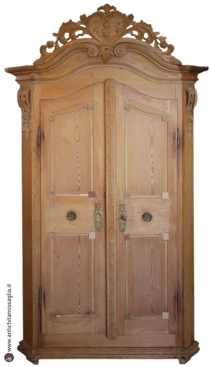 Antiques Missaglia - carved antique cabinet - Tyrol XVIII