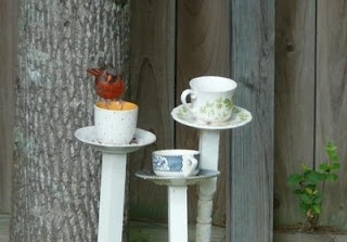 Something Wonderful: Tea Cup Bird Feeder: Crafts Ideas, Teas Cups, Birds Houses, Diy Birds, Bird Feeders, Birds Bath, Tea Cups, Someday Crafts, Teacups Birds Feeders