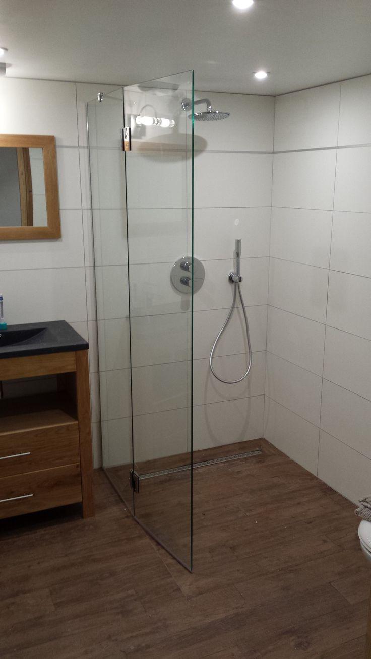 les 25 meilleures id es tendance pare douche sur pinterest pare douche baignoire douche. Black Bedroom Furniture Sets. Home Design Ideas