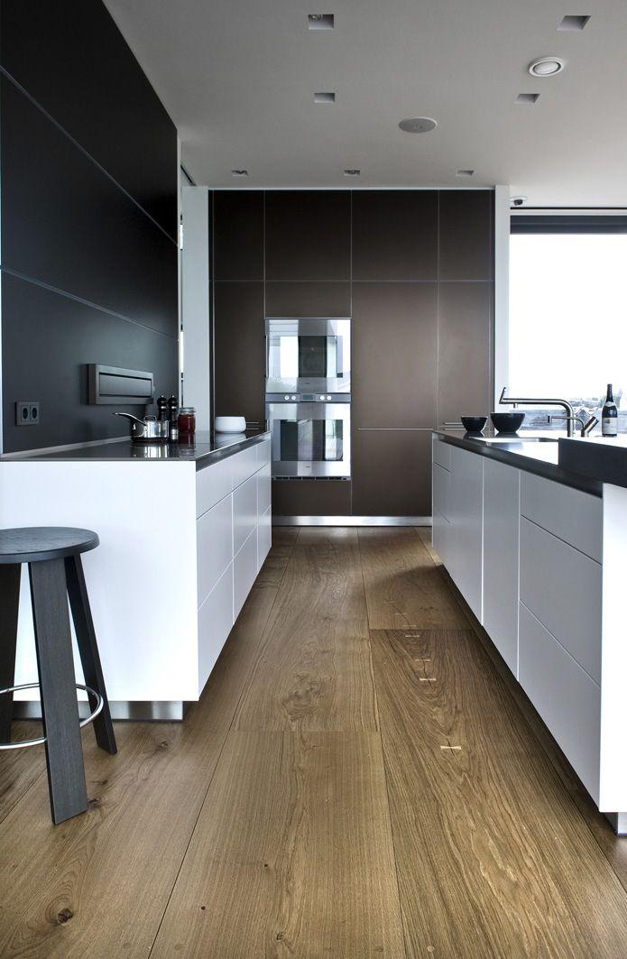 Eiken houten vloer | Brede en lange planken | 30 cm breed en tot 12 meter lengte | Inspiratie BVO Vloeren, houten vloeren en parket uit Breda