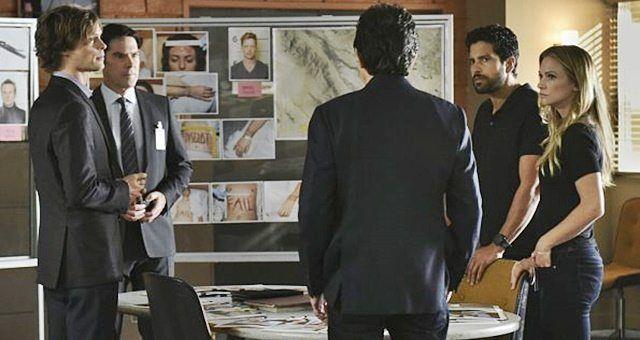 """CBS emitiu um comunicado de imprensa oficial para o episódio de estréia da temporada 12, intitulado """"The Crimson King"""": """"The Crimson King"""" - Agente Luke Alvez (Adam Rodriguez) se junta à equipe da BAU, e é encarregado de capturar um assassino que escapou da prisão com 13 outros presos no final da temporada passada, na estréia da temporada 12 de Criminal Minds, quarta-feira, 28 de setembro (9: 00-10: 00, ET / PT), na rede de televisão CBS. Adam Rodriguez se junta ao elenco como Luke Alvez, um…"""