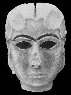 Mask of Warka. Uruk, 3,000 aC. Bagdad, Irak Museum