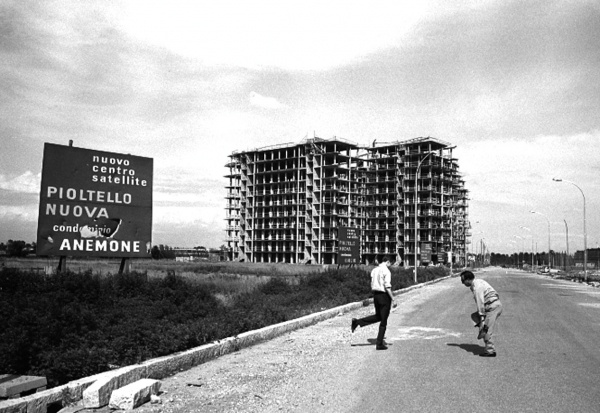 Periferia est di Milano, anni '60.