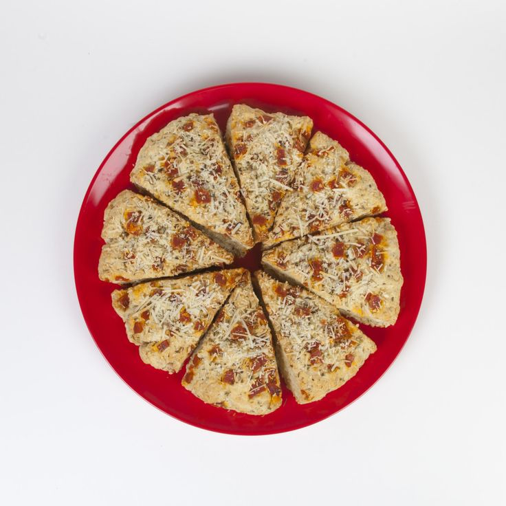 Love homemade pizza, but don't have time to make a homemade yeast-based crust?Check out this super easy Pizza Scone recipe that features our Scottish Oat Scone mix! (Get the mix from your Tealight...