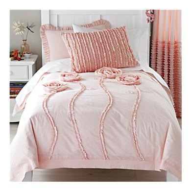 In <3 with this big girl bedding